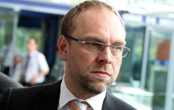 Власенко, Домбровский и Балога получили обратно свои мандаты