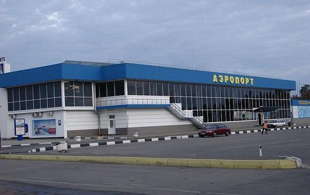 Группой неизвестных людей захвачен аэропорт Симферополь