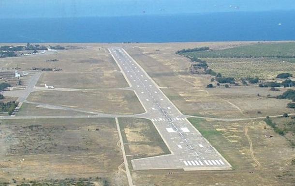 Глава МВД: Ситуация с аэропортами в Крыму - это вооруженное вторжение и оккупация