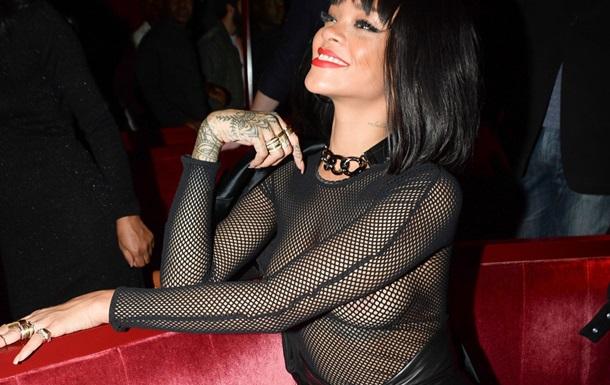 Тема раскрыта. Откровенный наряд Рианны вызвал ажиотаж на Парижской неделе моды