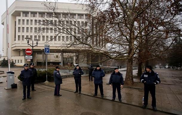 Военный совет ВМС ВС Украины призвал решить ситуацию в Крыму мирным путем