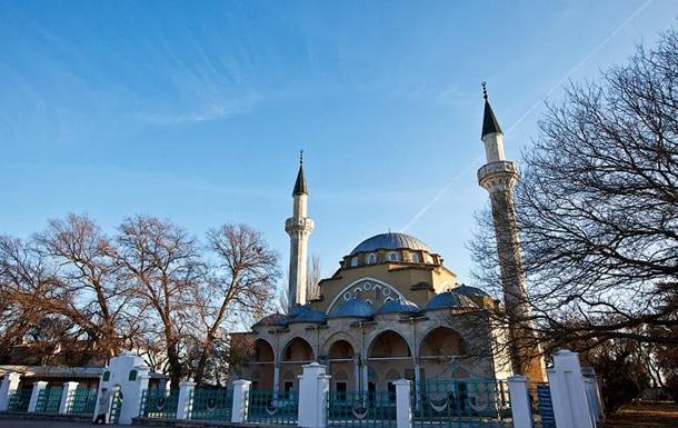 Крымские мусульмане взяли под охрану все мечети автономии
