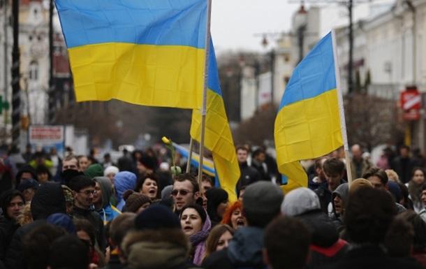 В Симферополе митингуют против референдума о статусе Крыма