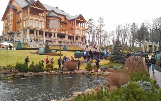 МВД временно приостанавливает свободное посещение Межигорья