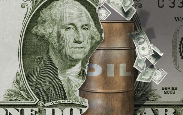 Цены на нефть снижаются из-за роста запасов сырья в США