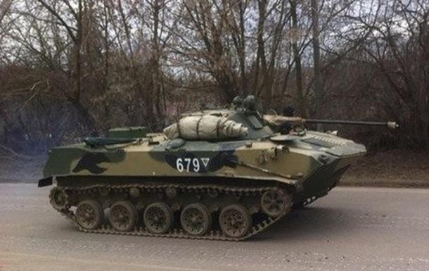 Вблизи восточных границ Украины замечено множество российских танков