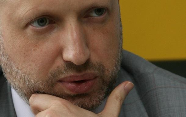 Турчинов пообещал военным в Крыму статус участников боевых действий