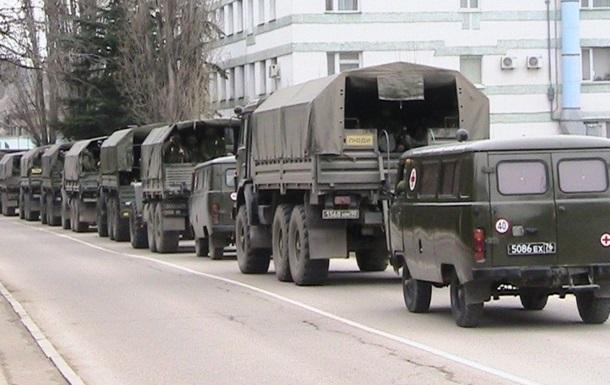 За прошедшие сутки на кораблях РФ в Крым прибыли более 400 военных