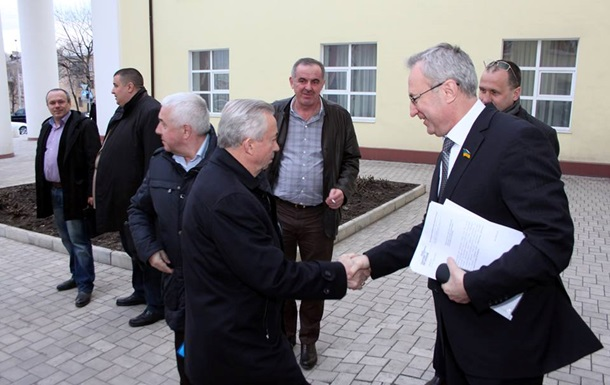 Мэр Донецка просит не воспринимать всерьез заявления секретаря горсовета о правых радикалах