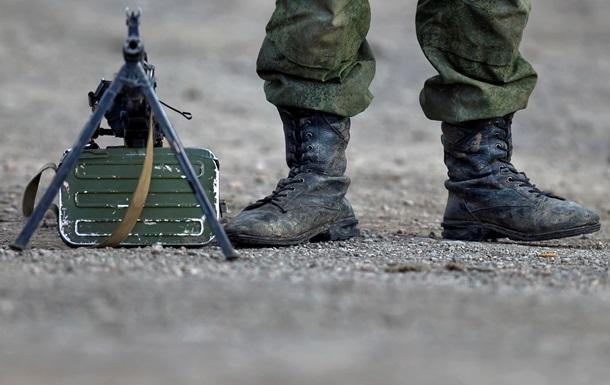 В Симферополе штурмуют военный топографический центр, один человек ранен