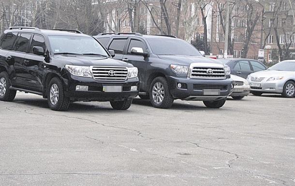 Крымские автомобилисты начнут получать российские номера - Аксенов