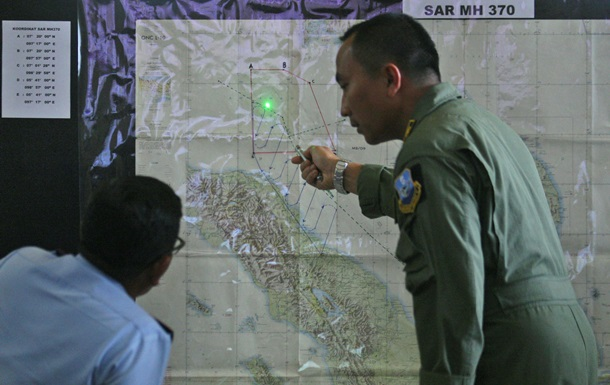 Малайзия просит у США военное оборудование для поисков Боинга