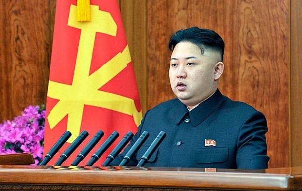 Ким Чен Ун впервые показал свою сестру