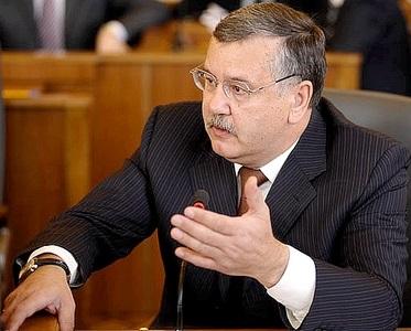 Гриценко планує втечу за кордон