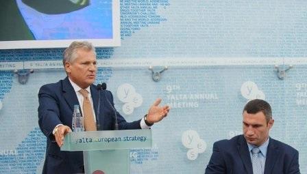 Кличко предложил Квасьневскому посредничество в переговорах с властью