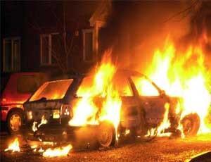 Подожгли машину главреда  Нового региона - Украина