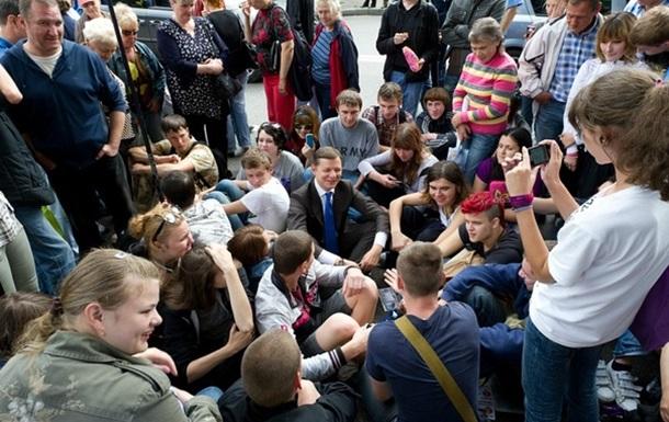 Тільки молодь може підняти Україну з колін!