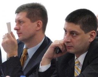 Скільки гривень коштує честь депутатів від  УДАР-у  братів Ткачуків?