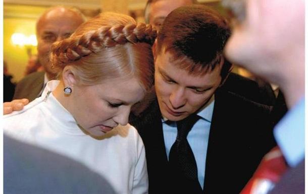 Чи поцілує Яценюк руку Януковича?