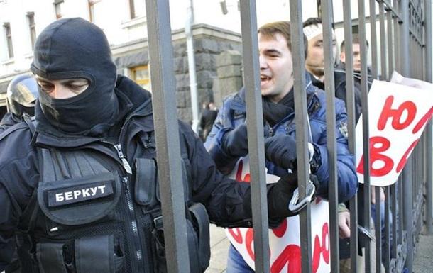Влада готує арешт єдиного кандидата від опозиції в 94 окрузі Андрія Лозового