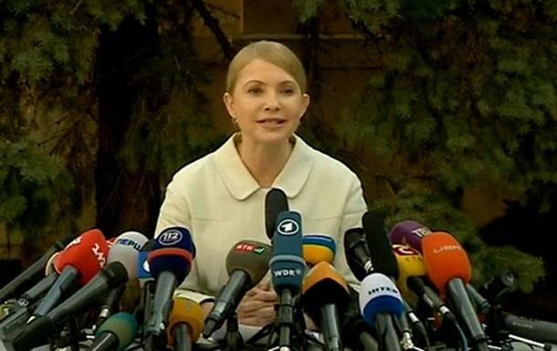 Тимошенко обещает, что в случае её победы на выборах Яценюк останется премьером