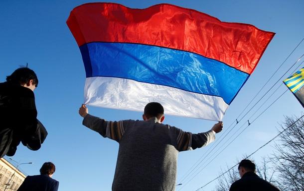 В Донецке прошел масштабный митинг с требованием провести референдум