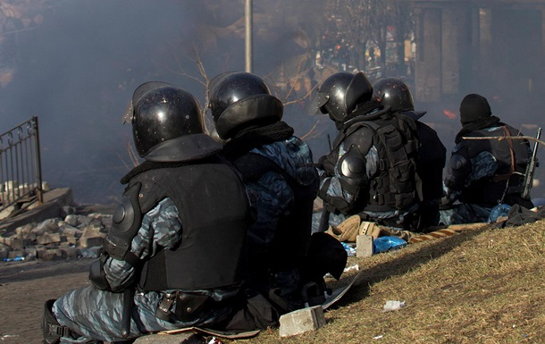 Беркутовцев, подозреваемых в расстреле митингующих, допросили с помощью детектора лжи