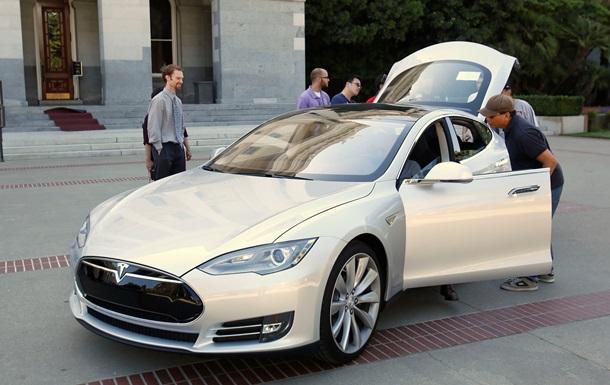 Обнаружен простой способ взлома электромобилей Tesla Model S