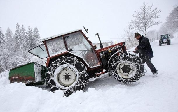 Канадский грабитель попытался скрыться от полиции на тракторе