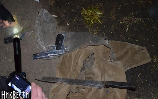 У пророссийских активистов в Николаеве изъяли дубинки, палки и автомат