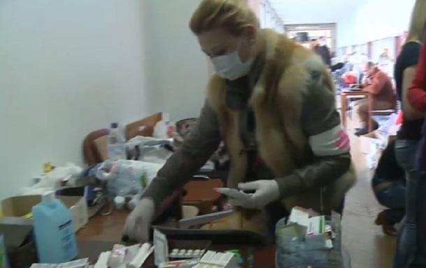 Бутерброды и баррикады: жизнь внутри захваченной Донецкой ОГА