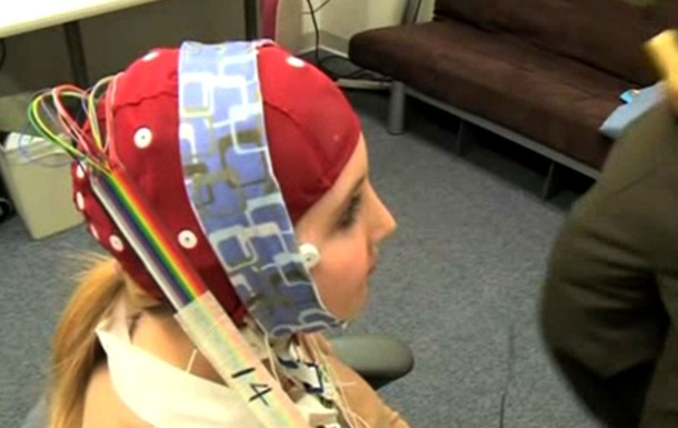 Американские ученые изобрели шлем для ускорения мышления