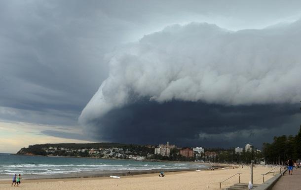 На Австралию надвигается самый мощный шторм с 2011 года, проводится эвакуация