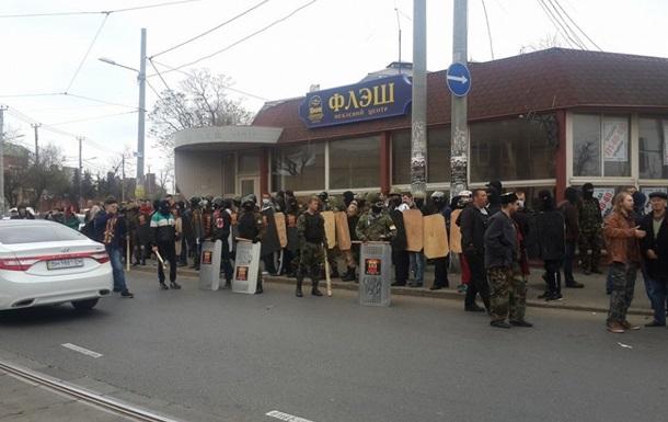 Активисты в Одессе устроили драку и напали на журналистов