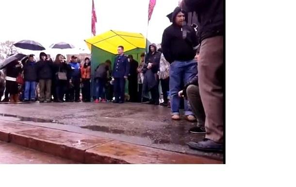 Харьковский милиционер рассказал, как отказался от  зачистки  ОГА и перешел на сторону протестующих