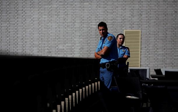 В Нидерландах больше тюремщиков, чем заключенных - отчет