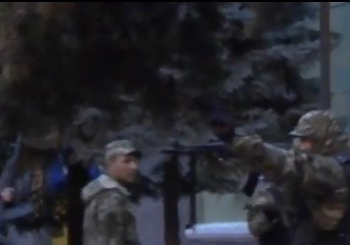 Российский спецназ в Краматорске:  за поребрик отойди!