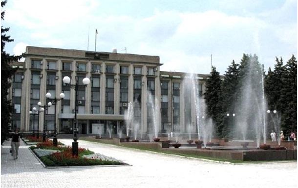 Вооруженные люди захватили здание Донецкого горсовета - СМИ
