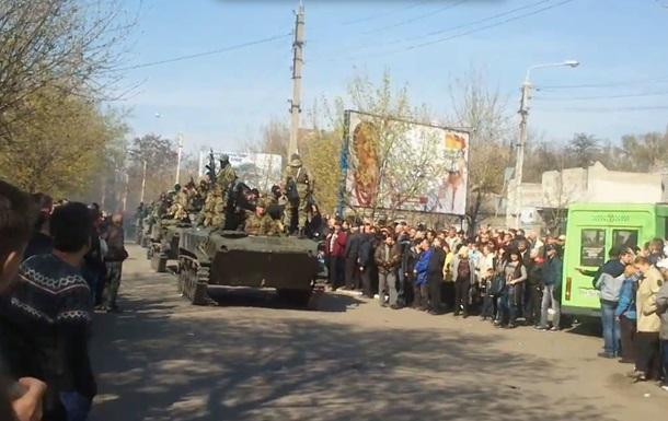 Как на Донбассе захватывали украинские БТРы. Видеоподборка