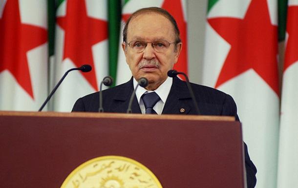 Президент Алжира Бутефлика переизбран на второй срок