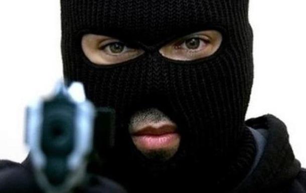 В Краматорске вооруженные люди напали на отделение ПриватБанка