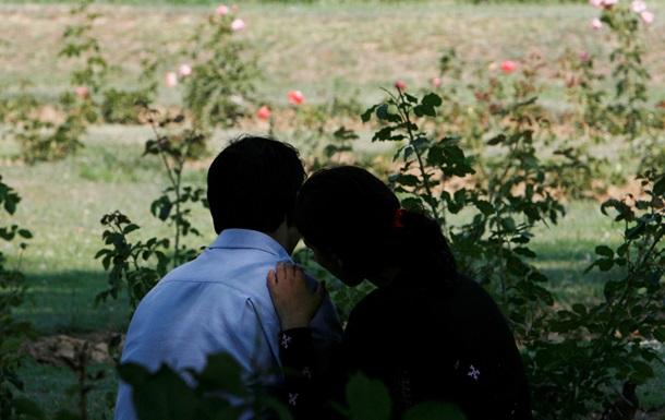 Ученые объяснили, почему девушки больше парней переживают из-за несчастной любви