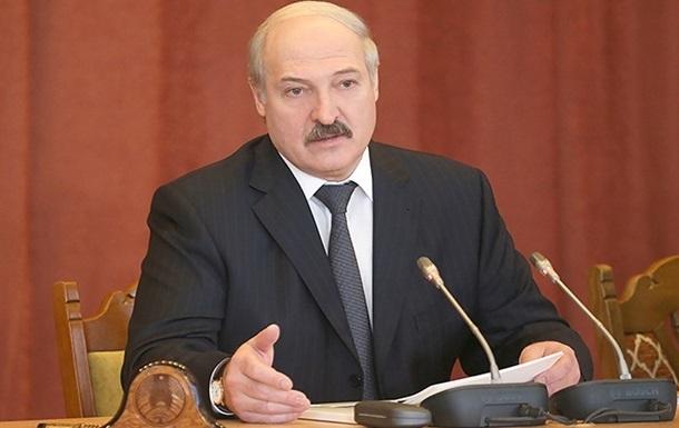 Лукашенко против федерализации Украины и обещает приехать в Киев на тракторе с плугом