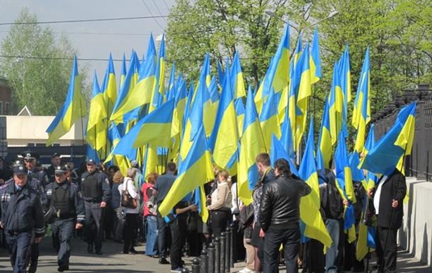В Харькове проходят два митинга: за единство Украины и федерализацию