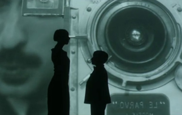 Премьера клипа Джамалы на песню Чому квіти мають очі