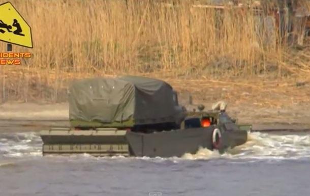 Российская армия у границы Украины учится форсировать реки