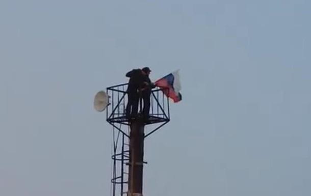 Над пограничным КПП Должанский украинский флаг никто не снимал - Тымчук