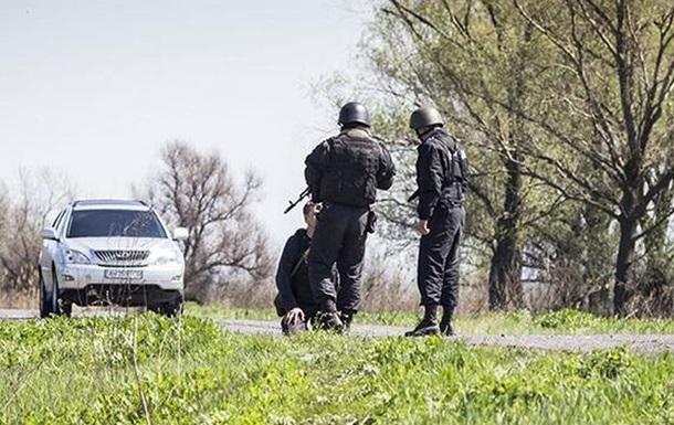 Украинские военные поставили на колени российского журналиста