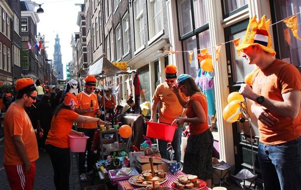 Голландцы впервые отпраздновали День короля