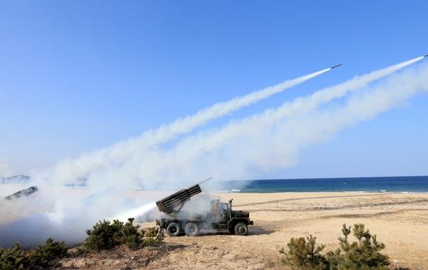 КНДР планирует провести маневры с боевыми стрельбами у южнокорейской границы